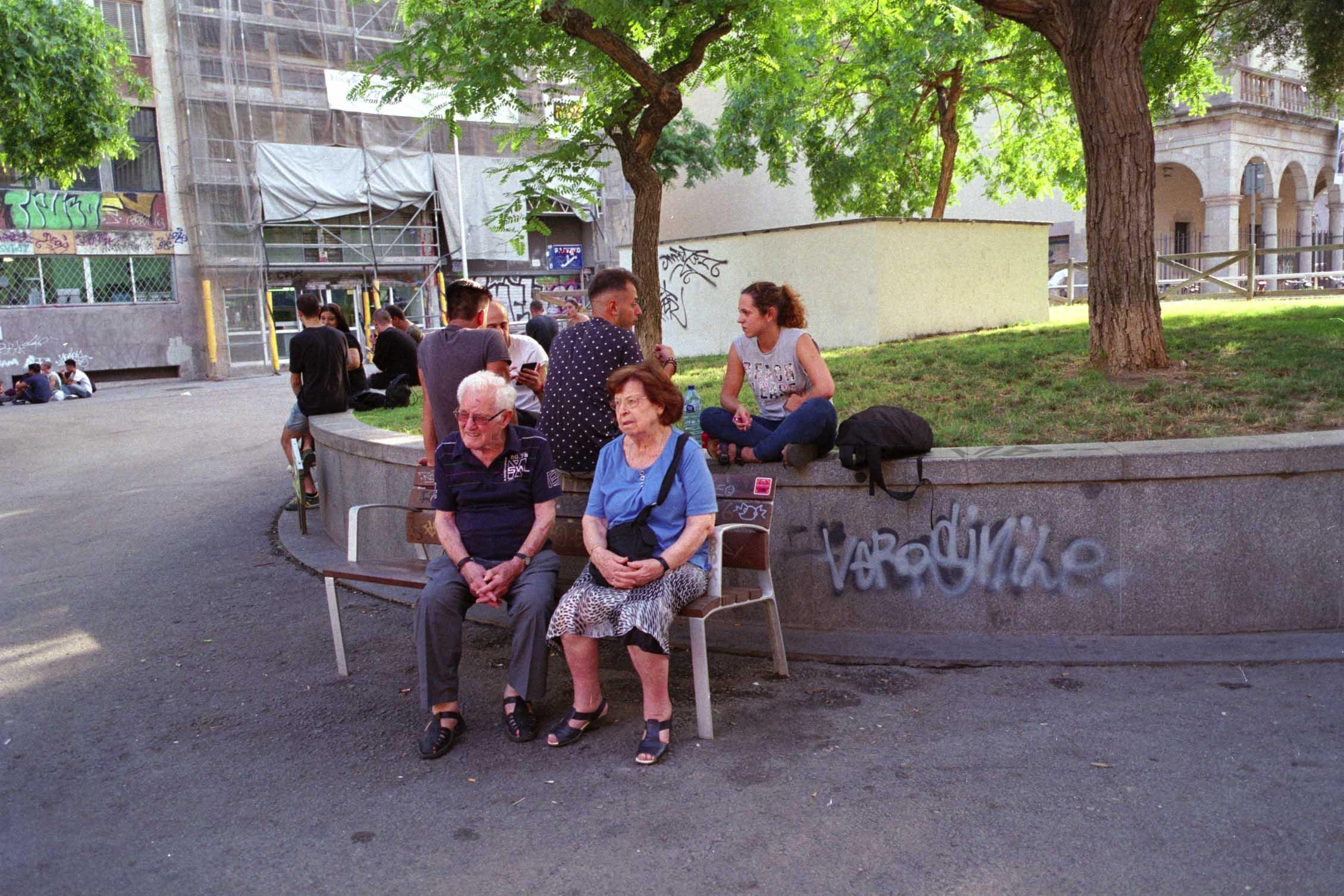 Barcelona, parejas, plaza Castilla